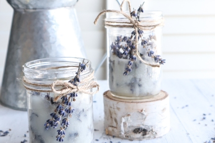 dried lavender candle